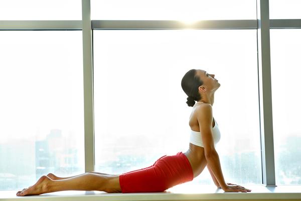 林修さん「結構キツイ…」 腹筋15回分の効果がある正しい座り方&座ったままできる下半身トレーニングで筋肉貯金を貯めよう!