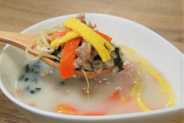 嬉しい美肌効果も!ファミマ新作「コムタン風スープ」が雑穀入りで好評