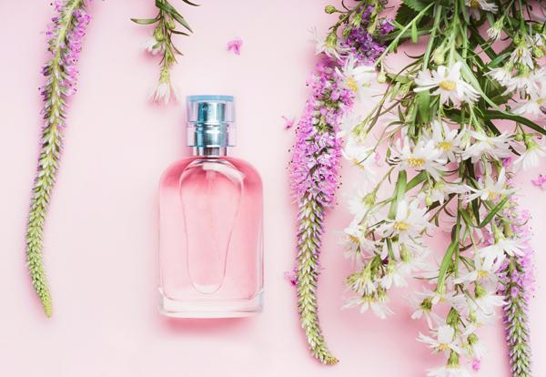 香水の力で魅力アップ!名前の頭文字A・C・K・М・Q・Y・Wのあなたの来週(2月5日〜)の運勢は?