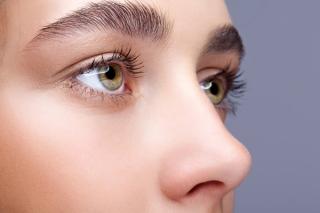 視線を動かすだけで角膜を傷つけてしまうこともある!? 目の現代病・ドライアイを改善する「まばたきストレッチ」