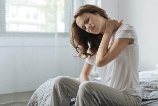 原因を突き止めることで改善に直結!? 首まわりの痛みの原因&対処法