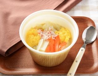 コクのある味とのど越し! 1食分の野菜が摂れるローソンの新作「かきたまと野菜の春雨スープ」