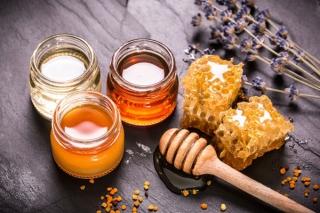 3月8日はミツバチの日!ダイエットや美肌にも役立つはちみつの使用法