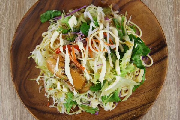 スモークチキンのパスタサラダ3