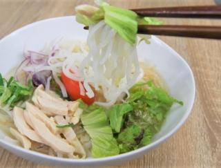 「めっちゃおいしい!」ベトナム料理好きにはたまらない「蒸し鶏と野菜のフォー」が登場
