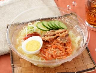 のど越しがたまらない! 本場・盛岡の味を楽しめる「盛岡風冷麺」がローソンから発売