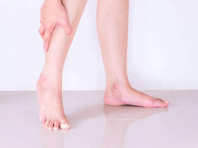 膝の裏を伸ばすストレッチ