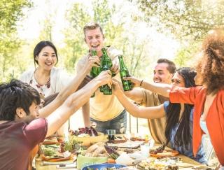「飲み会シーズンに大活躍!」 お酒が抜ける目安時間&ユーザーの適量を教えてくれるアプリ・酒ッキリ時計