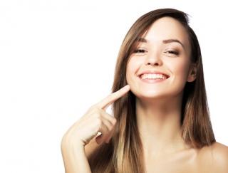 たるみ肌の要因は「高級クリーム」!? 40代後半でも「顔がたれない」秘訣を伝授!