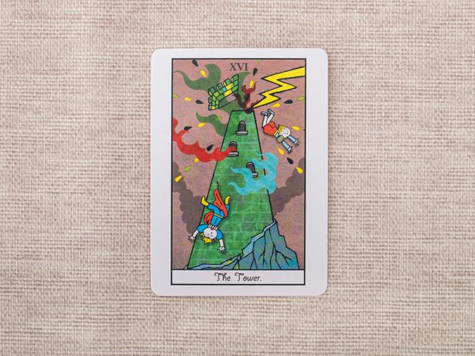 塔に稲妻が落ちている絵柄のカード