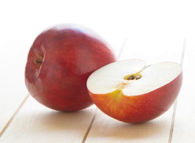 ぶどうや緑茶より強力! 「りんごポリフェノール」で老化防止!