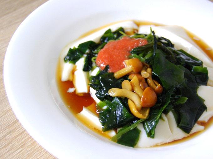 お皿に移した「めかぶと明太子のとろーり豆腐」のアップ画像