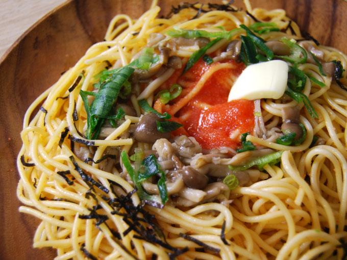 お皿に移した「明太子ときのこの和風パスタ」のアップ画像