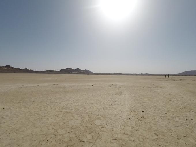 炎天下のサハラ砂漠