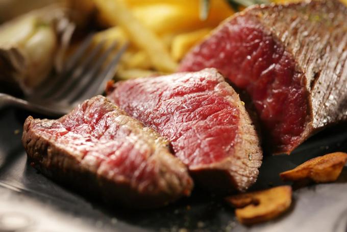 牛ももステーキ