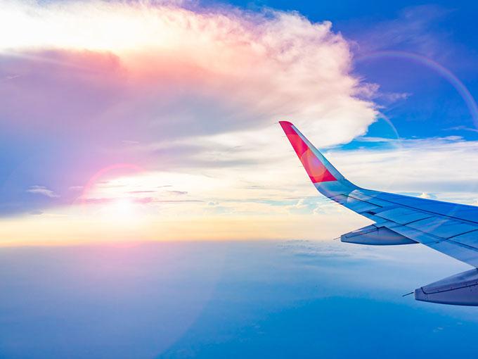景色のとても綺麗な飛行機の上から見た空