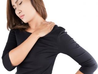 """肩こりの根本原因は""""体幹""""にあり!? 3つの「ねころび体操」で肩こりを解消!"""