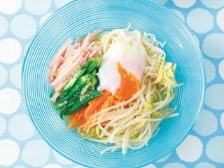 彩り野菜と温玉のしょうがつゆそうめんの完成イメージ