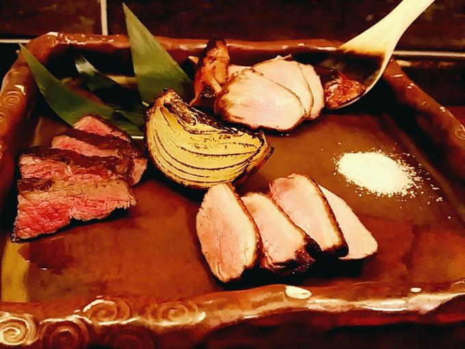 鹿肉と鴨肉の3種盛りプレート