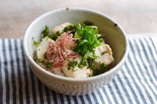 麹漬け豆腐の薬味のせご飯できあがり