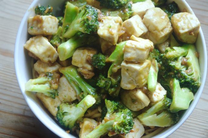 豆腐とブロッコリーの炒めもの