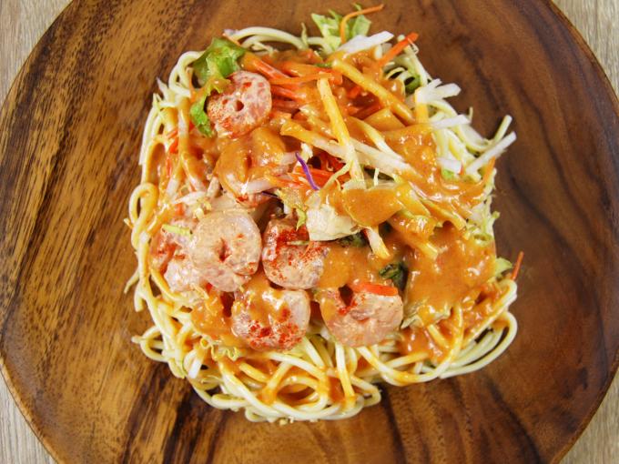 お皿に移した「海老のトマトクリームパスタサラダ」の画像