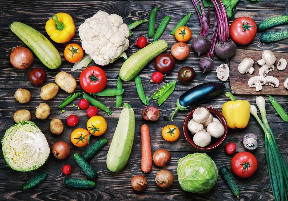 さまざまな野菜がしきつめられている