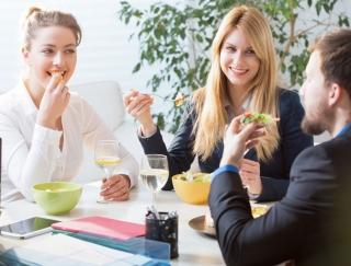 「三角食べ」は太りやすくなる!? 医学博士が教える食の間違った知識と正しい食べ方