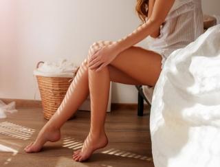 寝たままトレーニングでO脚改善!? 手軽に体の悩みを解消できるトレーニング方法