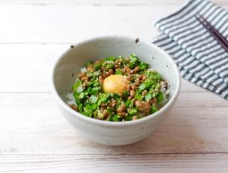 美肌にもうれしい!週初めは「ニラなったま丼」で元気にスタート! #明日の朝ごはん