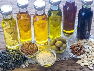 健康長寿が最も摂取している油は? 油の健康効果やおすすめオリーブオイルレシピ