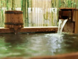 1億円で掘り当てた「黄金の湯」で健康に! 都内で楽しめる注目の温泉スポット2選
