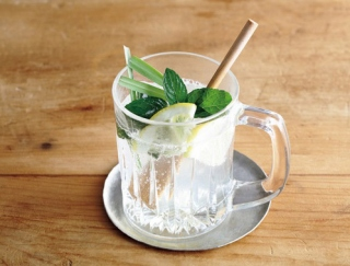 夏の汗とべたつき対策に! レモンと梅干しのレシピ3選