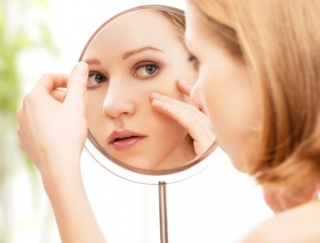 """20〜30代女性の悩み1位は「毛穴の黒ずみ」。コットンを使った""""時短洗顔""""が一石二鳥"""