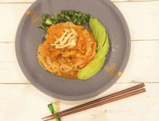 ダイエット中でも安心!濃厚酒粕カレーのこんにゃく麺レシピ