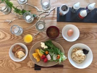 箱根にNewオープンした『ビオテラス オルガニカ箱根』での優雅な朝時間をレポート