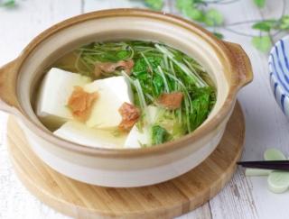 蒸し暑い日、食欲のない日でも温かい食べ物を♪「豆腐と水菜の梅鍋」#明日の朝ごはん