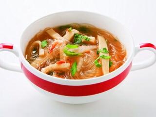 春雨のホット辛スープの完成イメージ