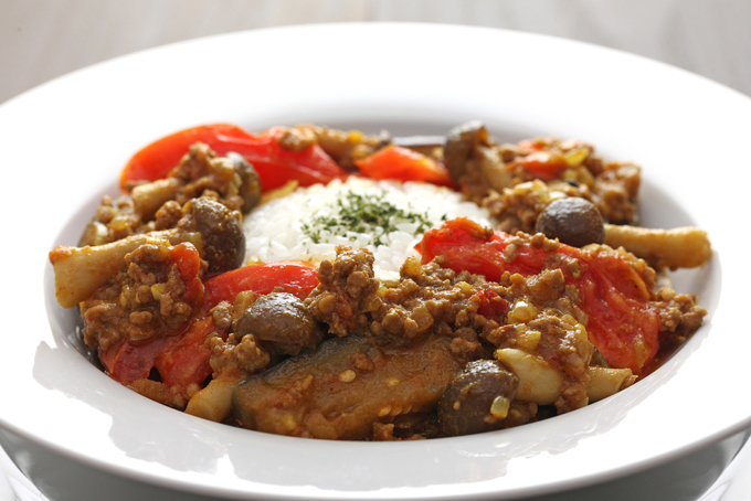 トマトとナスを使ったキーマカレーの画像