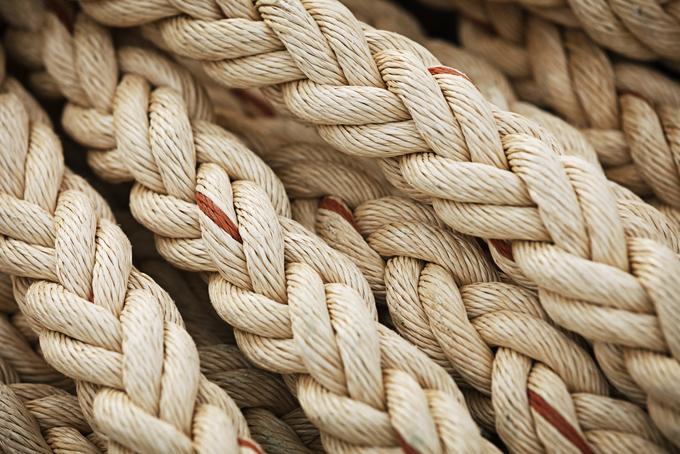 縄をイメージした画像