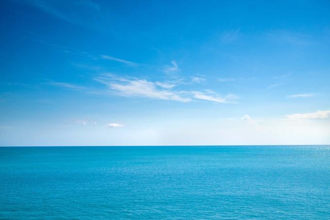 ブルーの美しい海