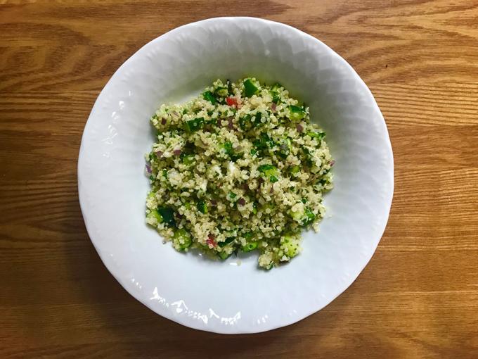 野菜たっぷりキヌアのサラダ