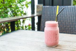 """美肌には""""ピンクの甘酒""""がおすすめ!? 一体何が入っているの? #Omezaトーク"""