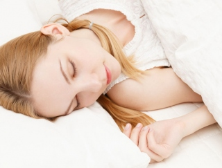 夏にぴったりな掛布団の素材はどれ? 快眠のための習慣と寝具の選び方