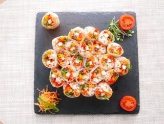 夏のSNS映え間違いなし!花火みたいなベジ生春巻き寿司のレシピ