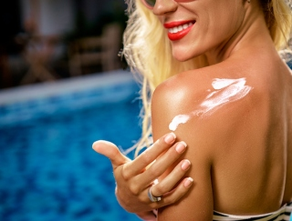 大発表!20~50代の女性の過半数が「美白・透明肌」をキープしたいと回答