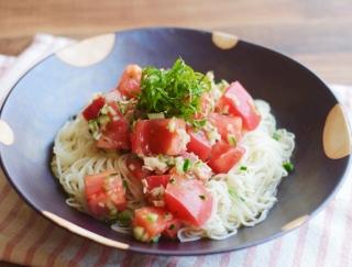 いつものそうめんに飽きたら!栄養も味わいもアップする「トマトとツナのそうめん」レシピ #明日の朝ごはん