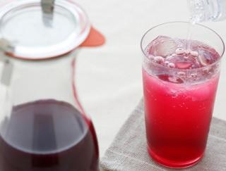 [かんたん!しそジュースの作り方]味わい方、保存のコツも紹介