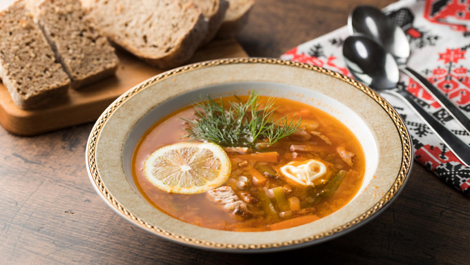 ピクルスのスープ「サリャンカ」