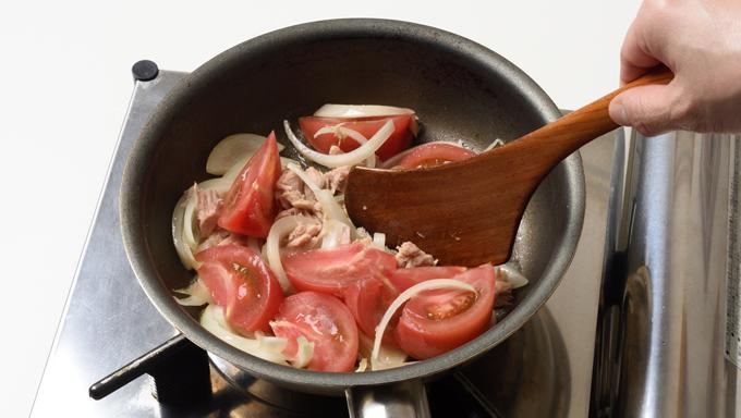 トマトとツナの炒めもの